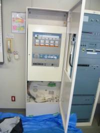 既設盤内、撤去 新型防災盤取付加工及び扉製作交換2