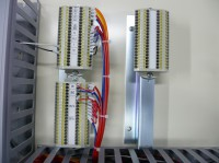 中継器、端子間渡り配線した取付事例です